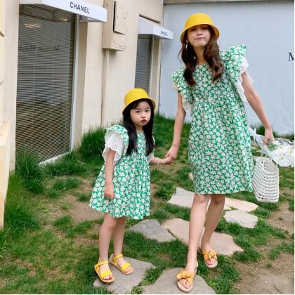 Lace Trim Floral Dress